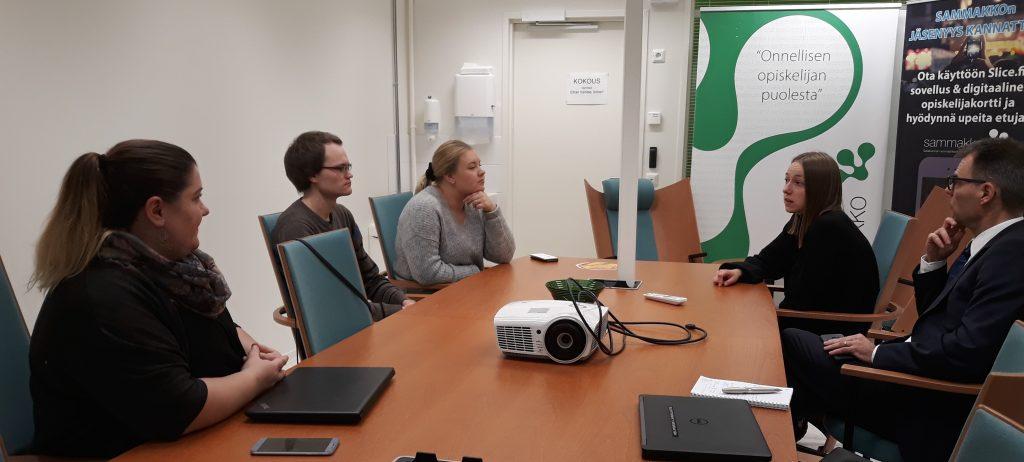 SAMKARIT Paikalla olivat tuutoroinnin ja liikunnan asiantuntija Marianne Mäkelä, hallituksen jäsen Anton Murashev ja pääsihteeri Tara Vallimäki.