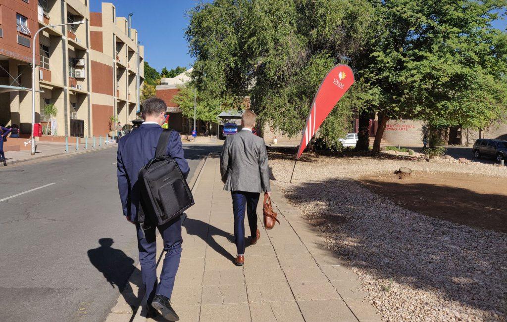 Namibian yliopistossa (UNAM) rehtori Multisilta sai opastetun kierroksen kampuksella.